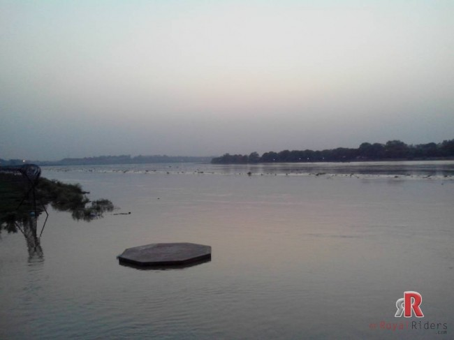 agra-21-june-dashera-ghat-yamuna022