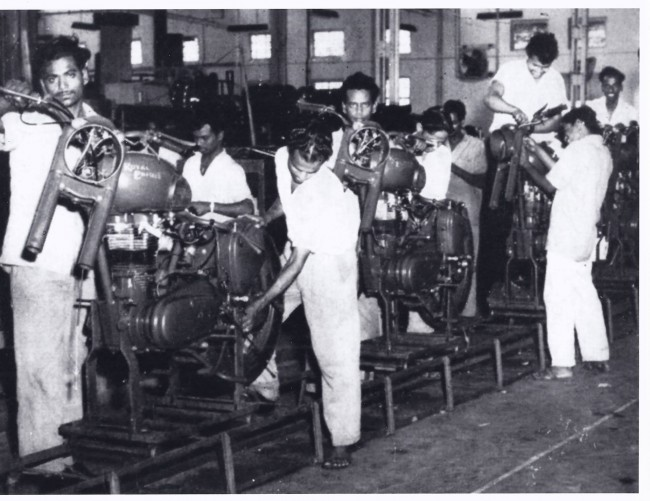 A rare picture of Royal Enfield production line in India. Image courtesy: facebook.com/fbusa
