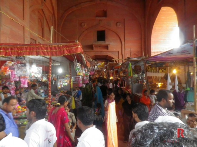 Fatehpur Sikri, picture of temporary shops at Fatehpur sikri monument, India, Agra