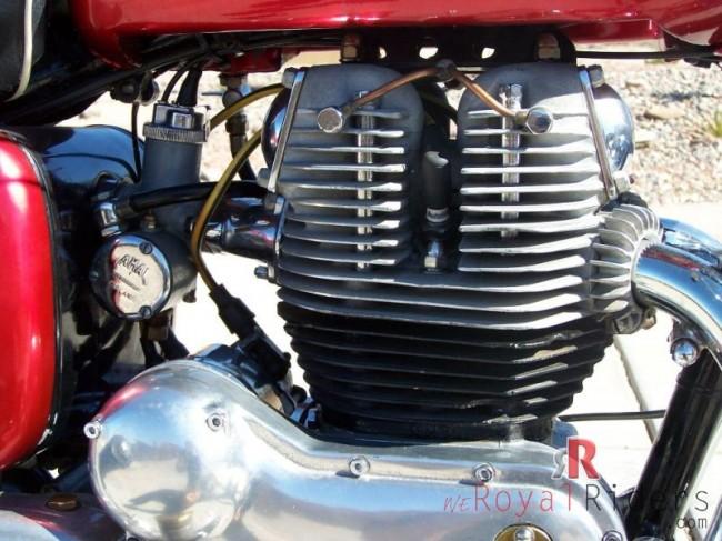 Nicely restored 1960 RE Constellation bike Engine