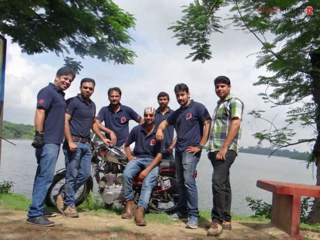 On 9th Auguest, weRoyal Riders organized lunch and competitions for blind student.