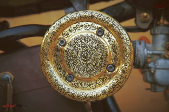 The beautiful air filter with traditional brass engraving.