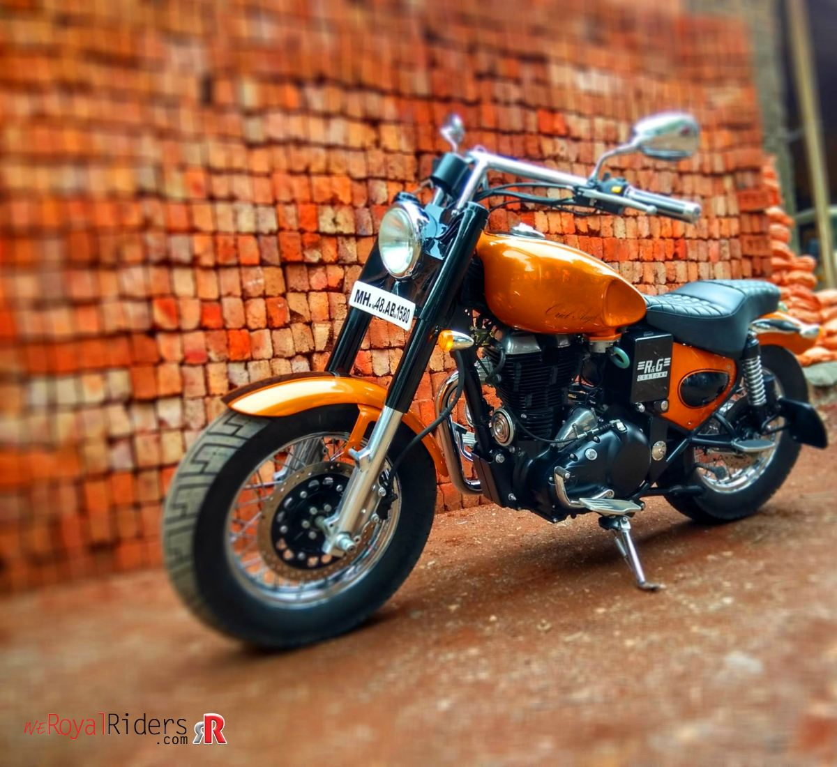Oriel Angel – Custom Royal Enfield Classic 500 turned into heavy
