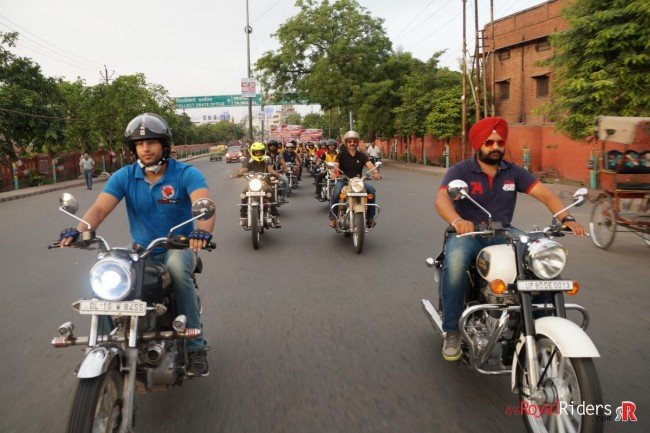 Riding with sensibility to spread the awareness.